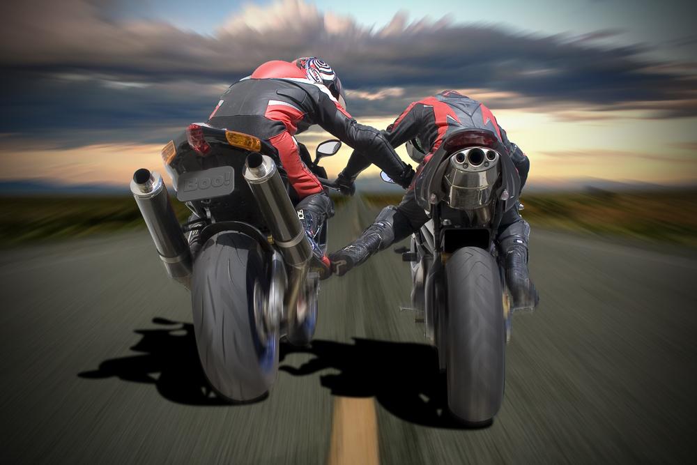 Dueling- Sport- Bikes- Aprilia- and- Triumph