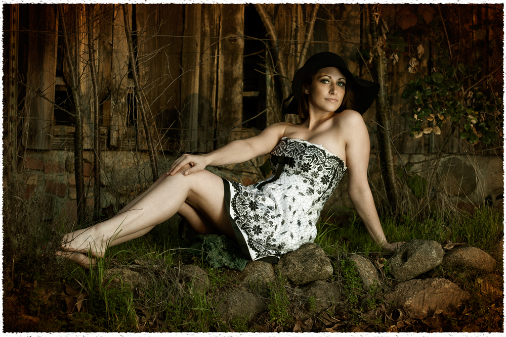 Beautiful-Brunette-Bare-legs